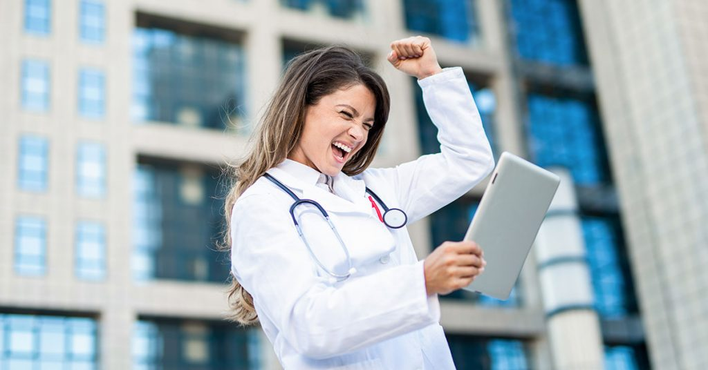 Completing Your Medical Residency in 2022? It's Time to Start Your Physician Job Search.